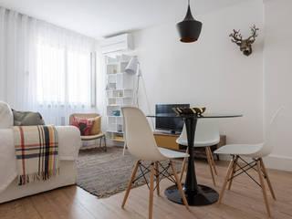 Minimalist dining room by OW ARQUITECTOS lda | simplicity works Minimalist