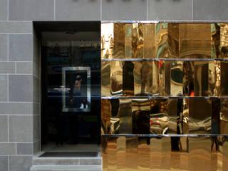 Pasillos, vestíbulos y escaleras modernos de HJL STUDIO Moderno