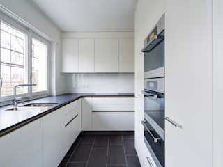 Beat Nievergelt GmbH Architekt Modern Kitchen