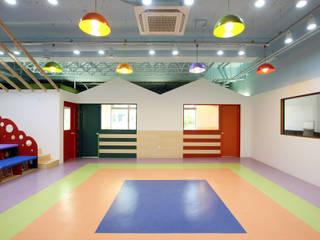 Dormitorios infantiles de estilo escandinavo de HJL STUDIO Escandinavo