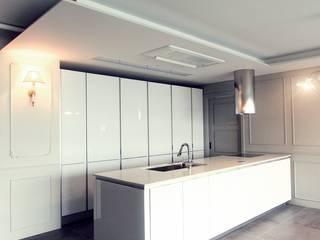 Kitchen by 홍예디자인, Classic