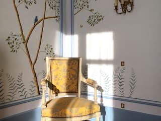The renovation of Chambre Royale with Hand painted Wallpaper by Snijder&CO Classic