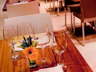 Sala da pranzo in stile  di THE muebles, Moderno