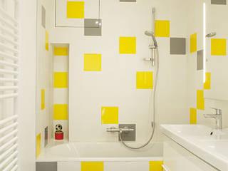 Salle de bains de style  par homify