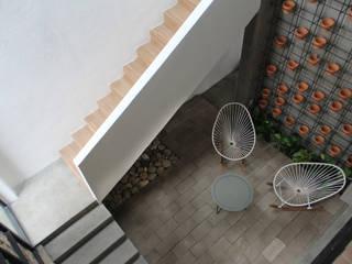 :  de estilo  por Apaloosa Estudio de Arquitectura y Diseño