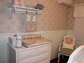 Quarto de bebê menina: Quarto infantil  por Studio Designare Interiores