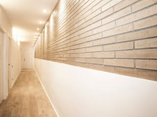 Grupo Inventia Pasillos, vestíbulos y escaleras industriales Ladrillos Beige