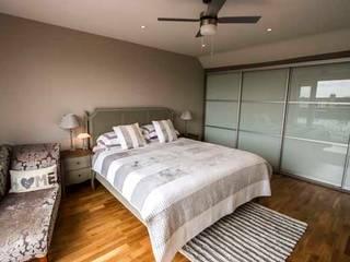 Apartment Refurbishment – Richmond-upon-Thames, London Cube Lofts Modern style bedroom
