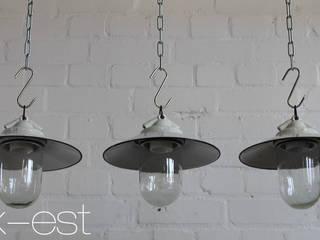 """""""VISTA M"""" Bauhaus Lampe Zweck Design Emaille Glas Porzellan:  Geschäftsräume & Stores von Lux-Est"""