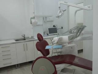 Clínica Dental Franchy Roca Clínicas de estilo moderno de Vidal Bett Arquitecto Moderno