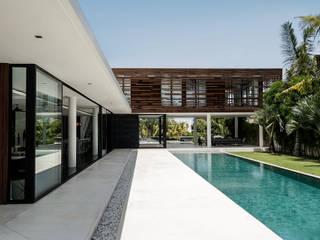 Construction d'une villa contemporaine à Bali par ARRIVETZ & BELLE