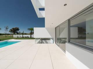 Modern terrace by Corpo Atelier Modern