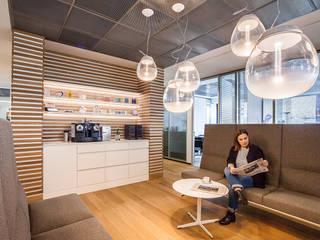 Im Zentrum...:  Bürogebäude von Agnes Lobisch | Gestaltung leben