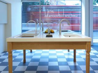 Mira Showroom Classical Chandeliers 現代風玄關、走廊與階梯