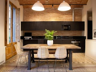 Brick Serveis d'Interiorisme S.L. Modern style kitchen Black