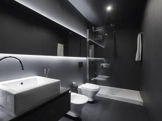 Bathroom by PAULO MARTINS ARQ&DESIGN, Minimalist