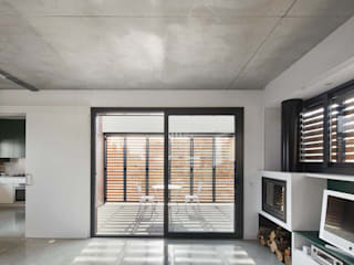 by Vallribera Arquitectes Modern