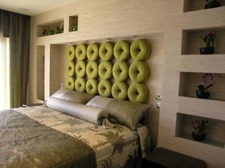 Atelier Ana Leonor Rocha Modern style bedroom