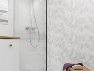 IDEALS . Marta Jaślan Interiors Baños de estilo escandinavo
