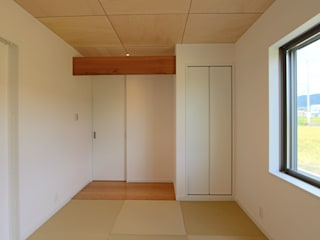 GARDEN HOUSE モダンデザインの 多目的室 の 松井設計 モダン