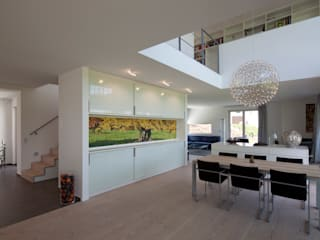 Modern dining room by pur natur Modern
