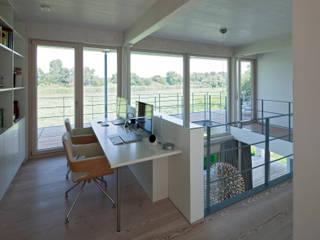 Ruang Studi/Kantor Modern Oleh pur natur Modern