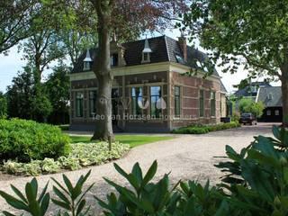 Garten im Landhausstil von Teo van Horssen Hoveniers Landhaus