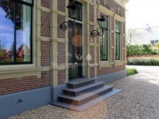 Statige, landelijke tuin bij monumentale villa Landelijke tuinen van Teo van Horssen Hoveniers Landelijk