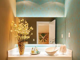 Modern Bathroom by THEROOM ARQUITETURA E DESIGN Modern