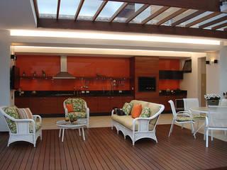 Casas de estilo  por THEROOM ARQUITETURA E DESIGN