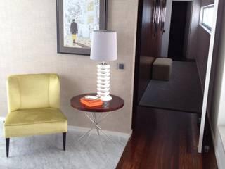 Lili Miranda-Designer de Interiores Corridor, hallway & stairs Accessories & decoration