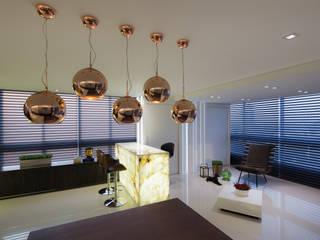 Salas / recibidores de estilo  por Carla Almeida Arquitetura, Moderno