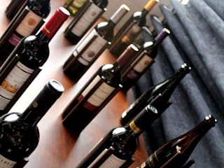Bodegas de vino de estilo moderno de Studio² Moderno