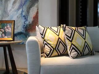 Studio² Modern living room Multicolored