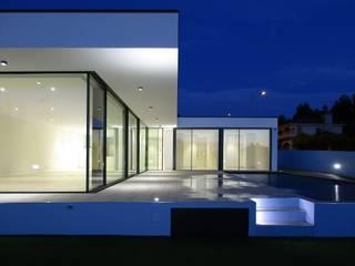 :  Houses by Utopia - Arquitectura e Enhenharia Lda
