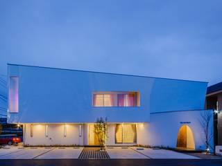 โดย MITSUTOSHI OKAMOTO ARCHITECT OFFICE 岡本光利一級建築士事務所 โมเดิร์น