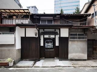 asian  by 株式会社 藤本高志建築設計事務所, Asian