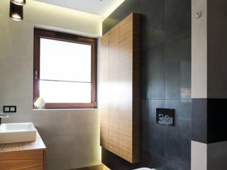 apartament w północnej części Krakowa Minimalistyczna łazienka od Ormezowski - projektowanie wnętrz Minimalistyczny