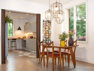 Casa Gion: Soggiorno in stile  di senzanumerocivico
