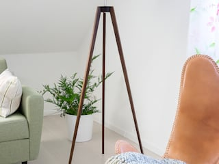 Livings de estilo moderno de LIGNA LUX ® Stehleuchten Manufaktur Moderno