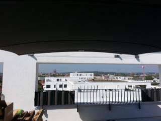 Balcones y terrazas modernos: Ideas, imágenes y decoración de derraumhoch3 Moderno