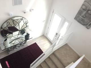 Hall - Residencia Calistoga por Laura Picoli Moderno