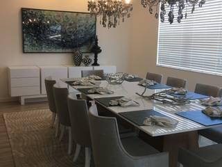 Sala de Jantar - Residencia Calistoga - Kissimmee por Laura Picoli Moderno
