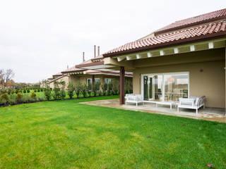 Arredamento outdoor & indoor - Abitazione Golf Club Ca' D'Amata :  in stile  di iCarraro