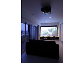 SWITCH&Co. Eclectic style media rooms