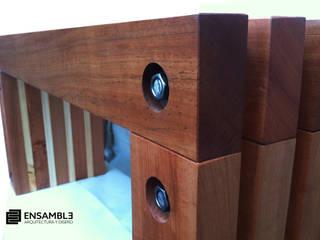 Mobiliario Exterior Línea Nothofagus:  de estilo  por Ensamble Arquitectura y Diseño Ltda.