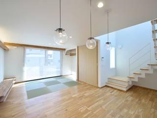 House Y1: 一級建築士事務所 ima建築設計室が手掛けたリビングです。,
