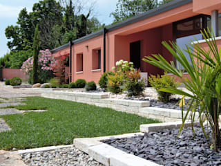 Modern garden Lugo - Architettura del Paesaggio e Progettazione Giardini アプローチ