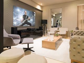 Duo Arquitetura Modern media room Wood Grey