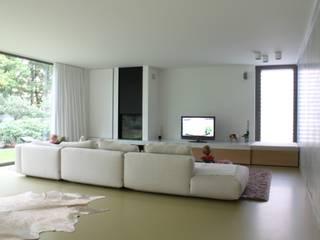 by studio k interieur en landschapsarchitecten Modern